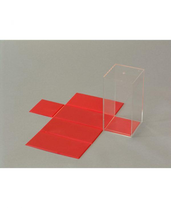 Kvadratna prizma s odvojivom mrežom površine