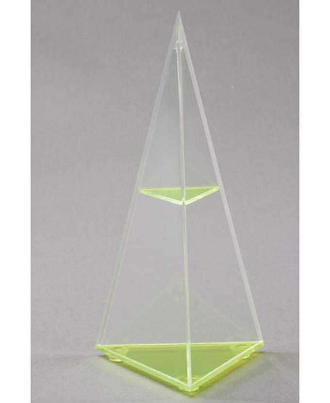 Trostrana piramida s vodoravnim presjekom