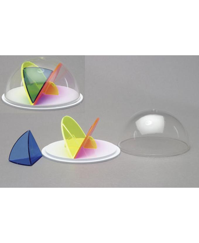 Polukugla s dijelovima u boji i odvojivim sfernim trokutom.
