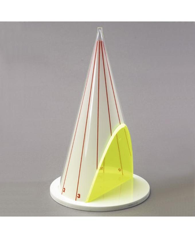 Stožac s parabolnim presjekom i mrežom površine